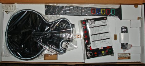 470-guitar_hero_3_out_of_the_box_02.jpg