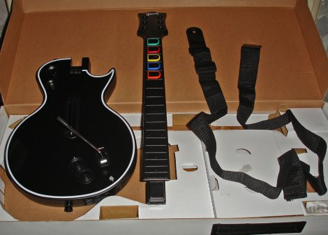 470-guitar_hero_3_out_of_the_box_03.jpg